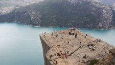 Είκοσι κορυφαίες ταξιδιωτικές εμπειρίες που αξίζει να βιώσετε το 2020 - CNN.gr Stavanger, Bergen, Oslo, Rafting, Hd Photos, Nature Photos, Norway, Mount Rushmore, Mountains