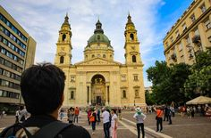 Must-see places in Budapest in an evening (Part 1) – Eat, Click, Travel and Repeat! Budapest, Repeat, Places To See, Paths, Louvre, Challenges, Building, Travel, Viajes