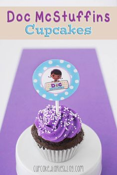Doc McStuffins Cupcakes with FREE Cupcake Toppers Printable - Perfect for a Doc McStuffins birthday party! | cupcakediariesblog.com