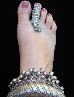 Tribal Tree: Gift of Unique Jewelry Toe Ring Designs, Anklet Designs, Tribal Jewelry, Indian Jewelry, Silver Jewelry, Silver Earrings, Silver Bracelets, Silver Toe Rings, Silver Anklets