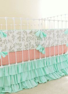 Like a treasured companion, this new Lottie Da baby bedding set will help you send your little one off to a peaceful night's sleep full of Leafy