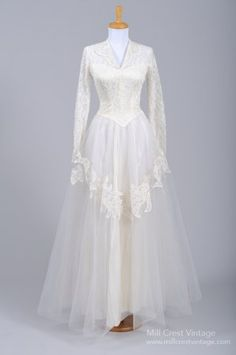 1940's Grace Kelly Style Lace & Tulle Vintage Wedding Gown