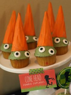 Wants and Wishes: Party planning: Plants vs. Zombies Inspired Birthday Party dessert table and game ideas Birthday Party Desserts, Birthday Party Games, 6th Birthday Parties, Birthday Cakes, Zombie Birthday, Zombie Party, Boy Birthday, Plants Vs Zombies, P Vs Z
