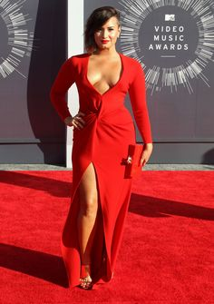 #GlamLatinas Show Some Skin At The VMAs