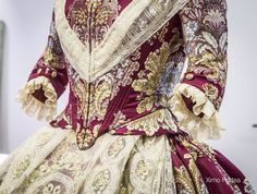 Indumentaria valenciana 1700s Dresses, Old Dresses, Nice Dresses, Historical Costume, Historical Dress, Vintage Vans, Beautiful Outfits, Beautiful Clothes, Dress Making