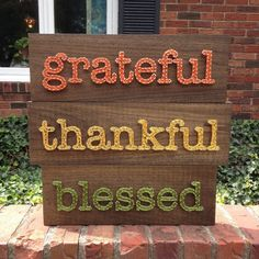 String Art Thankful Sign by TheHonakerHomeMaker