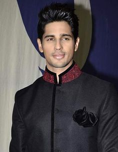 Sidharth Malhotra, the most good-looking newcomer of 2012!