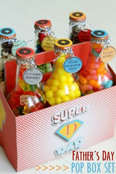 Super Dad Pop Bottle Set FREE Printables featured on Club Chica Circle. Perfect for Father's Day Gift Ideas!