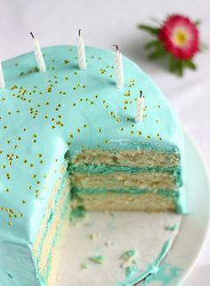 Old-Fashioned Birthday Cake (snow white vanilla cake filled w vanilla buttercream & frosted w angel feather icing + she tells the colours she used to make the Tiffany Blue) Click to see. Cute!!