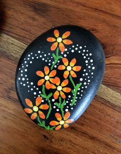 creative-easy-rock-painting-ideas-for-beginners-i-love-painted-rocks-paintedrocks-stoneart-rockart-paintingrocks-easy-kids-ideas-diy/ SULTANGAZI SEARCH Rock Painting Patterns, Rock Painting Ideas Easy, Rock Painting Designs, Painted Rocks Craft, Hand Painted Rocks, Mandala Painted Rocks, Painted Garden Rocks, Painted Stones, Stone Crafts