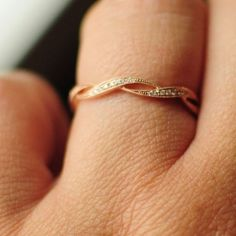rose gold and diamond infinite wedding band