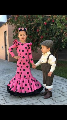Awww too cute 😊 Flamenco Costume, Flamenco Dancers, Flamenco Dresses, Bandhini Saree, Spanish Dancer, Kids Gown, Kurti Patterns, Spanish Fashion, Girl Costumes