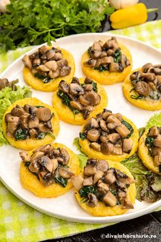 Polenta with sauteed mushrooms and spinach Greek Recipes, Baby Food Recipes, Cooking Recipes, Vegetable Recipes, Vegetarian Recipes, Healthy Recipes, European Dishes, Western Food, Recipes From Heaven