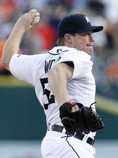 Detroit Tigers pitcher Randy Wolf delivers against