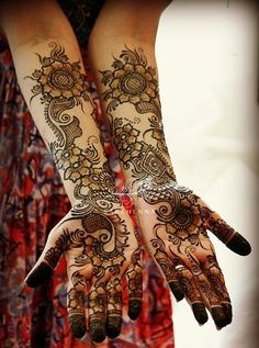Gorgeous Full Arm Bridal Henna Designs