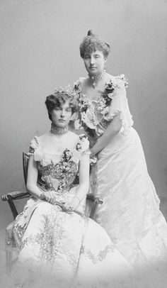 Princesses Isabelle of Orléans, and her cousin Marie of Orléans, Princess Waldemar of Denmark. The complex sleeves of the Orléans cousins' dresses are in keeping with a 1902 date.
