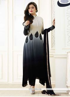 Elegant Fashion Wear Explore the trendy fashion wear by different stores from India Indian Gowns Dresses, Indian Fashion Dresses, Indian Designer Outfits, Indian Outfits, Designer Dresses, Designer Suits Online, Pakistani Fashion Party Wear, Pakistani Dress Design, Pakistani Wedding Dresses