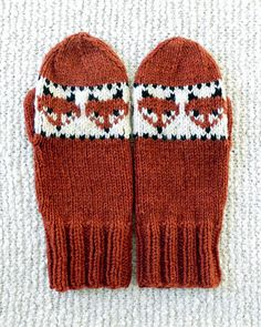 corvid's Fox the Trickster - Mittens Ravelry: corvid's Fox the Trickster - Mittens History of Knitting Wool spinning, weaving and stitching careers such as f. Knitted Mittens Pattern, Knitted Hats, Baby Mittens, Fingerless Mittens, Baby Hats Knitting, Knitting Wool, Knitting Socks, Free Knitting, Knitting