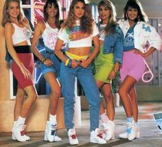 Expand Your Fashion Vocabulary In the everyone rocked the high tops, scrunchy socks, spandex and cut off shirts. Expand Your Fashion Vocabulary In the everyone rocked the high tops, scrunchy socks, spandex and cut off shirts. 1980s Fashion Trends, 80s And 90s Fashion, 80s Womens Fashion, 80s Fashion Party, 80s Party Outfits, Fashion Outfits, 90s Theme Party Outfit, 80s Fashion Icons, Throwback Outfits