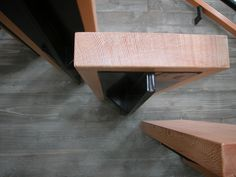 Cantilevered stair detail