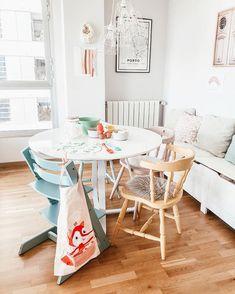 Buenos días y feliz Domingo!!!! Hoy plan caserito!! Y por ahí? • • • • #interiors #livingroom #homedecor #nordichomes #decoracionnordica…