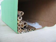 Hyönteishotelli ohje - kierrätysteemalla Cinnamon Sticks, Napkin Rings, Napkins, Decor, Decoration, Towels, Dinner Napkins, Decorating, Napkin Holders