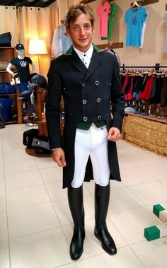Man Boots, Riding Boots, Shoe Boots, Deconstruction, Traditional Dresses, Different Styles, Equestrian, Underwear, Women Wear