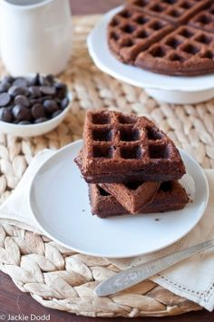 Brownie Waffles Ingredients: 1 cup flour 2 tsp baking powder cup cocoa powder tsp salt cup dark chocolate chips 1 cup milk (divided in half) cup vegetable oil 1 tsp vanilla extract 2 eggs, divided cup sugar