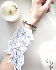 Forearm Flower Tattoo, Flower Tattoos, David Tattoo, Tattoo People, Tattoo Feminina, Sleeve Tattoos For Women, Flower Tattoo Designs, Future Tattoos, Tattoo Sketches