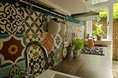 Kitchen - Patchwork Bonte mix Portugese cementtegel (Designtegels.nl)