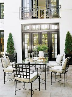 Things That Inspire: Outdoor dining rooms. Narrow black french doors and Juliet balcony gorgeous for french country home Things That Inspire: Outdoor dining rooms. Narrow black french doors and Juliet balcony gorgeous for french country home Outdoor Rooms, Outdoor Dining, Outdoor Furniture Sets, Outdoor Decor, Patio Dining, Dining Rooms, Dining Area, Iron Furniture, Outdoor Kitchens