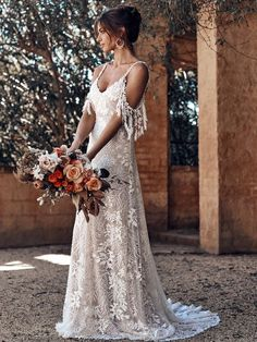 Sensational Grace Loves Lace collection by ICON 2018 for the modern bride - Hochzeit und Braut How To Dress For A Wedding, Lace Wedding Dress, Bridal Dresses, Wedding Gowns, Dress Lace, Bohemian Style Wedding Dresses, Wedding Frocks, Romantic Dresses, Reception Dresses