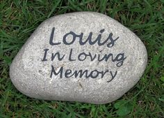 Personalized Pet Memorial Stone Grave Marker In Loving Memory of Your Pet 8-9 Inches Memorial Burial Cemetery Tombstone Grave Marker #burial_cemetery #cat_grave_stone #cat_memorials