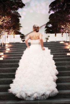 beautiful dress and picture of running up the stairs :)