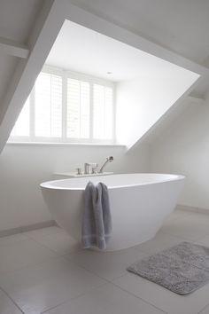 white clean lines attic bathroom #bathrooms #atticrooms #windows