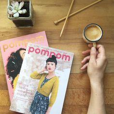 Buenos días! Solo queda un ejemplar de la revista Pompom de verano y otro de coleccionista del primer número. Y simplemente por ser lunes y romper el mito del día gris de la semana si te llevas los dos ejemplares tienes un descuento del 10% usando el código PARAMI. . Cuando se acaben se acabaron! Feliz lunes  . #lana #lanas #yarn #wool #pompommag #pompomquarterly #ohlanas #lanasconhistoria #knit #knitting #punto #tricot #tejer #crochet #ganchillo #tejeterapia #tejiendo #loslunesasimolan