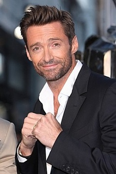 Hugh Jackman Short Hairstyle: How to Get - Men's Hairstyles Hugh Jackman, Hugh Michael Jackman, Hugh Wolverine, Short Hair Cuts, Short Hair Styles, Les Miserables, Hommes Sexy, Mode Masculine, Haircuts For Men