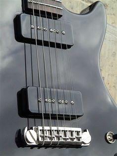 B3 - Fine Tuned Instruments - :: La Souris Plate.com ::   Guitar / Guitare  P90