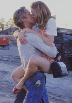 Cute Teenage Couples Kissing | cute movie The Notebook Allie Noah picture kiss teenage couple ...