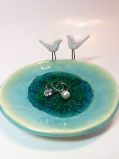 Little Birds Ceramic Dish with Recycle Glass by lemonglaze Ceramic Soap Dish, Ceramic Art, Pinch Pots, Homemade Christmas Gifts, Porcelain Clay, Little Birds, Recycled Glass, Kawaii, Accent Pieces