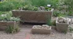 I'd like to make a few more troughts. These instructions are similar to those of a workshop from over 10 years ago and the trough is still in great condition. I think the chicken wire is key in our climate.