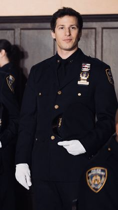 Andy Samberg looking so toit in uniform Andy Samberg, Brooklyn Nine Nine Funny, Brooklyn 9 9, Brooklyn 99 Actors, Disney Channel, Jake And Amy, Jake Peralta, Haha, Comic