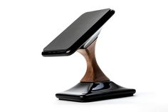 Swich wireless charger for Qi compatible/enabled smart devices by Lutman Design Studio