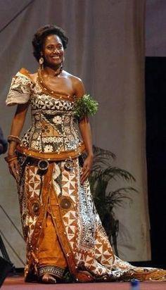 Miss Fiji, Miss South Pacific 2009 in her beautiful Island Creation. - Fijian Tapa dress