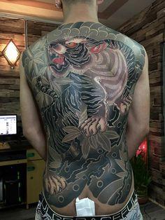 Tiger Tattoo Design, Tattoo Designs, Tattoo Ideas, Japanese Tattoo Art, Irezumi Tattoos, Back Tattoos, Piercings, Japanese Style, Black