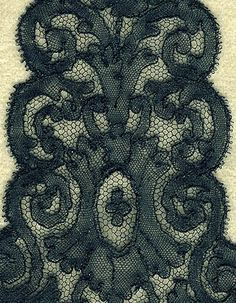 detail of Chantilly lappets