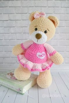 Mixed Pattern Shabby Chic Outfit For Big - Diy Crafts - Marecipe Crochet Animal Patterns, Amigurumi Patterns, Amigurumi Doll, Crochet Animals, Knitting Patterns Free, Knitted Teddy Bear, Crochet Bear, Crochet Toys, Free Crochet