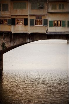 I don't like truth, ...EASTERN design office - eccellenze-italiane: Ponte Vecchio - Old Bridge...