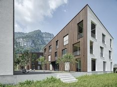 Geviert - Wohnüberbauung in Näfels Building A House, Multi Story Building, Wooden Facade, Wood Siding, Condominium, Autocad, Art And Architecture, New Homes, Mansions