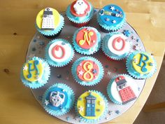 Dr Who Cupcakes by angelicakebysian, via Flickr